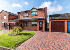 26 Kingfisher Close, St Peters, Worcester, Worcestershire, WR5 3RY.